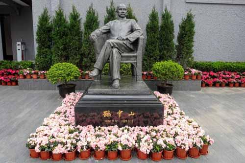 孫中山の銅像