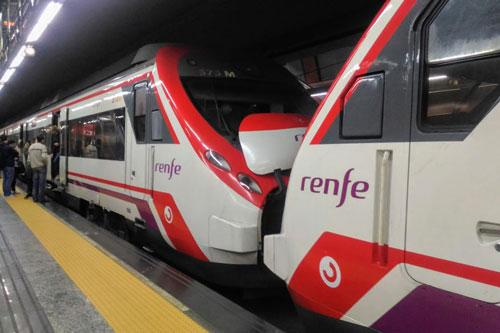 スペイン国鉄のレンフェ(renfe)
