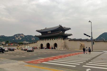 景福宮正門「光化門」