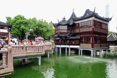 湖心亭と九曲橋