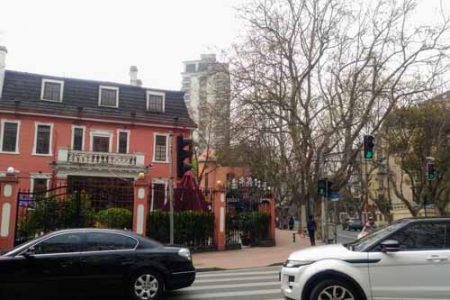 衡山路と東平路の交差点にある洋館レストラン「Sasha's」