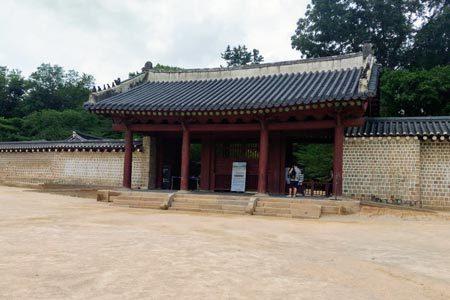 宗廟の正門「外大門」