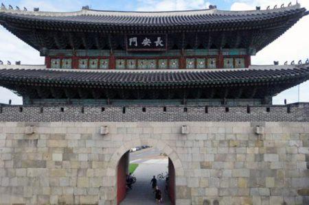 華城の北門「長安門」