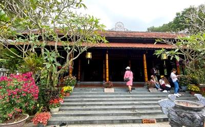 ベトナムの旧正月「テト」寺